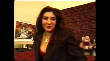 Porn English Sandra Is Fucked By Two Guys In Paris