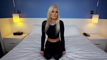 Chicas Se Follan Bien Por Sus Hermanos, El Sexo Con Una Rubia, Kinky