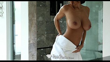 Porn With The Tits That's In The Shower Naked, And Her Lover Is Filming