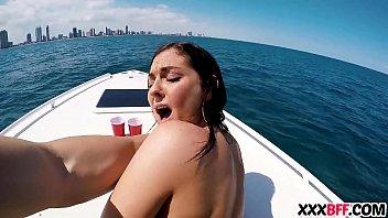 Barcos Y Sexy Adolescente Las Azadas