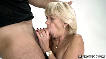 Mature Woman Sucks Cock And Fucks With Pussy