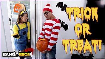 Zwei Liebhaber Verbringen Halloween - Der Mit Seltsamen Kostümen Und Einem Exzellenten Fick