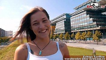Der 18-Jährige Tourist Hat Beim Ersten Date Sex