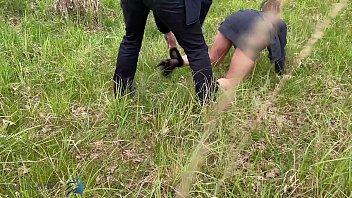 Porno En Un Campo Con Una Nena Sentada Sobre Una Cabra