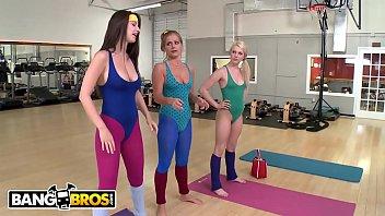 Three Girlfriends In The Gym Masturbate