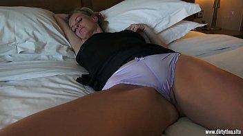 Filmada Dormida En Su Coño Desnudo Y Follada Por Su Hijo Pervertido
